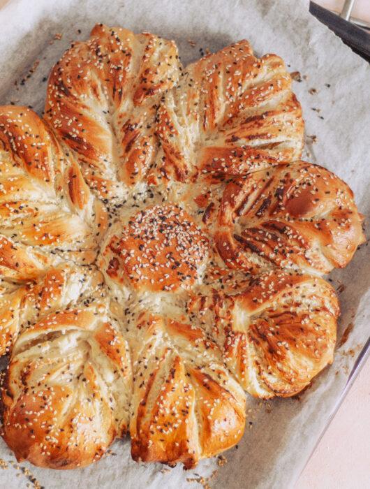 Stjernebrød med feta og flødeost